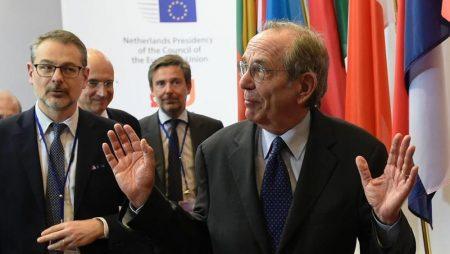 Manovra Italia, Padoan risponde a Bruxelles