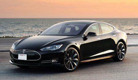 Tesla diventa la prima società auto Usa per capitalizzazione