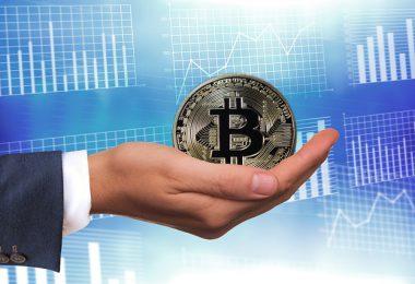Comprare Bitcoin online con PayPal o carta di credito conviene? Come fare?
